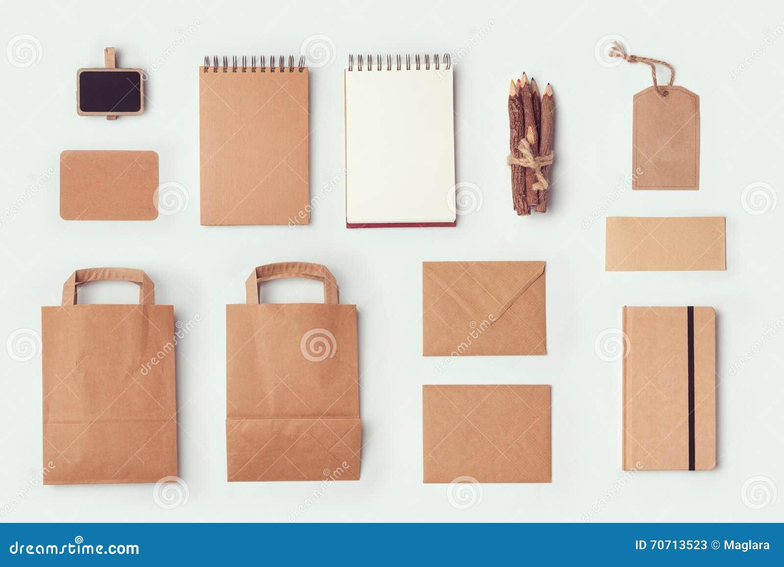 模板的文具嘲笑品牌身份设计的 平的位置