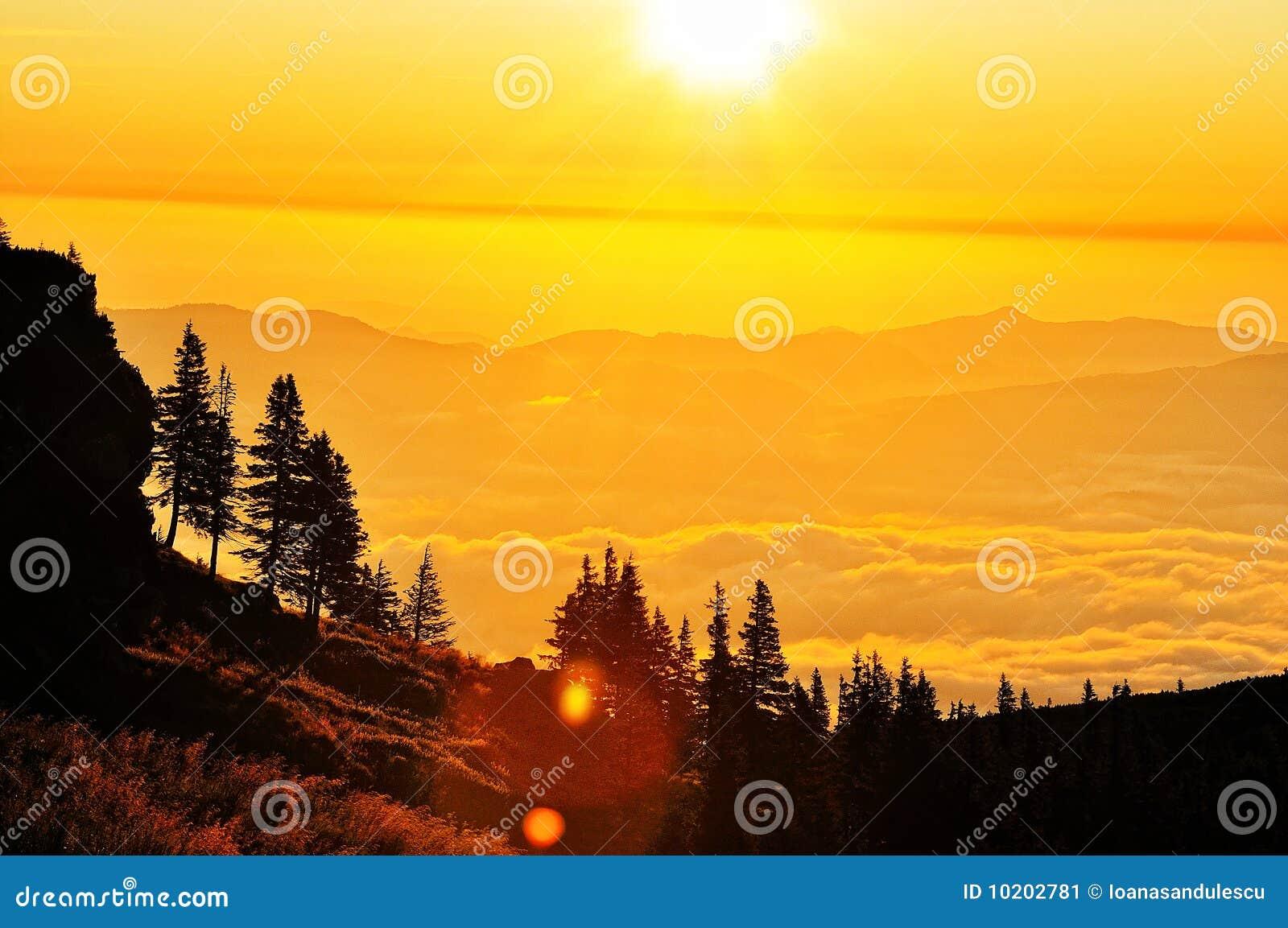 横向山日出