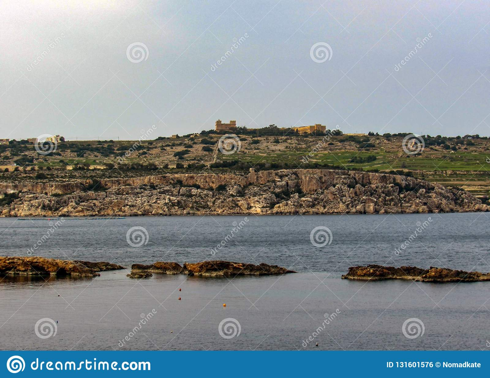 横跨圣保尔斯海湾,Bugibba的看法,在马耳他地中海海岛上,欧洲