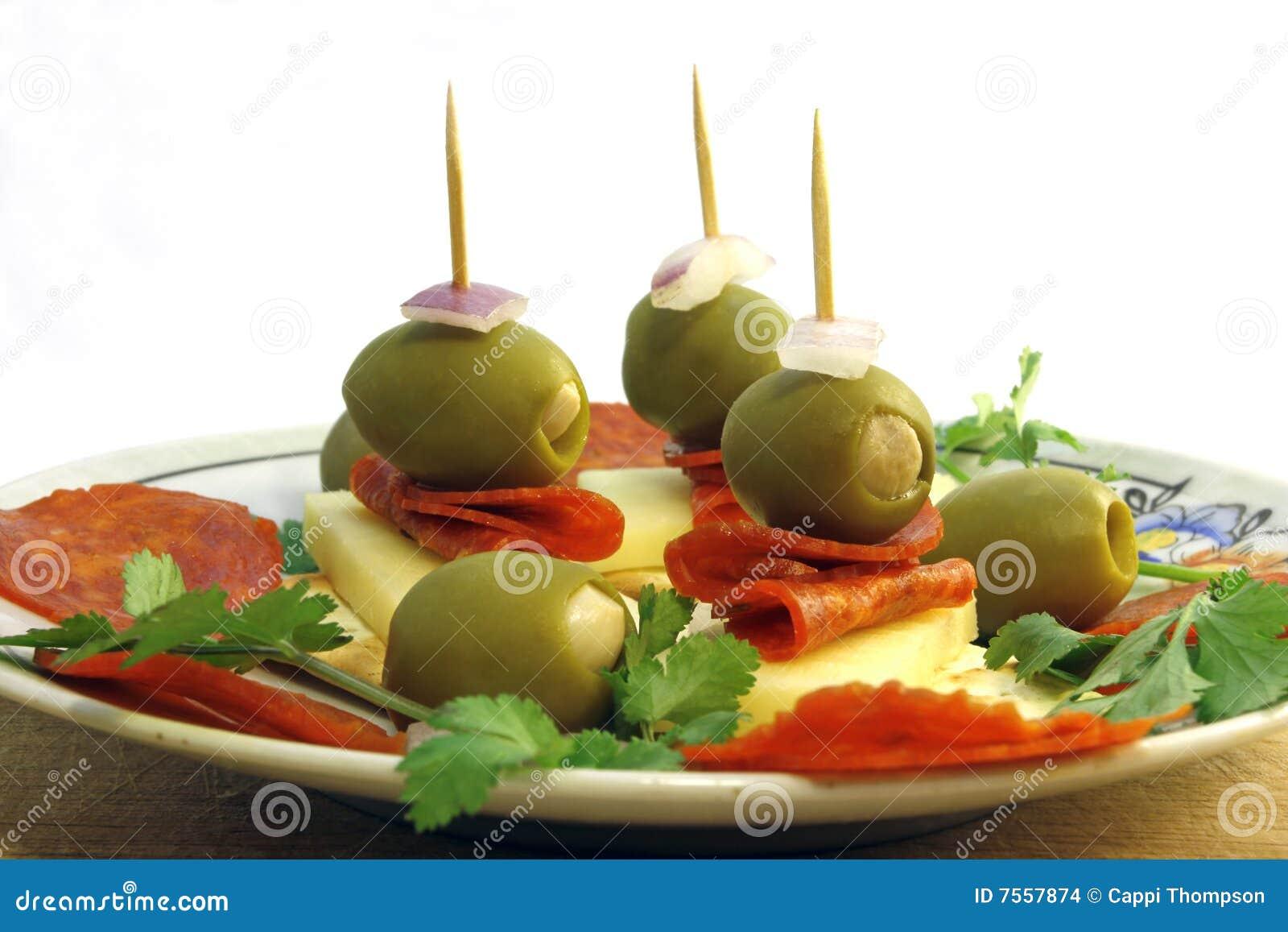 橄榄色的开胃菜