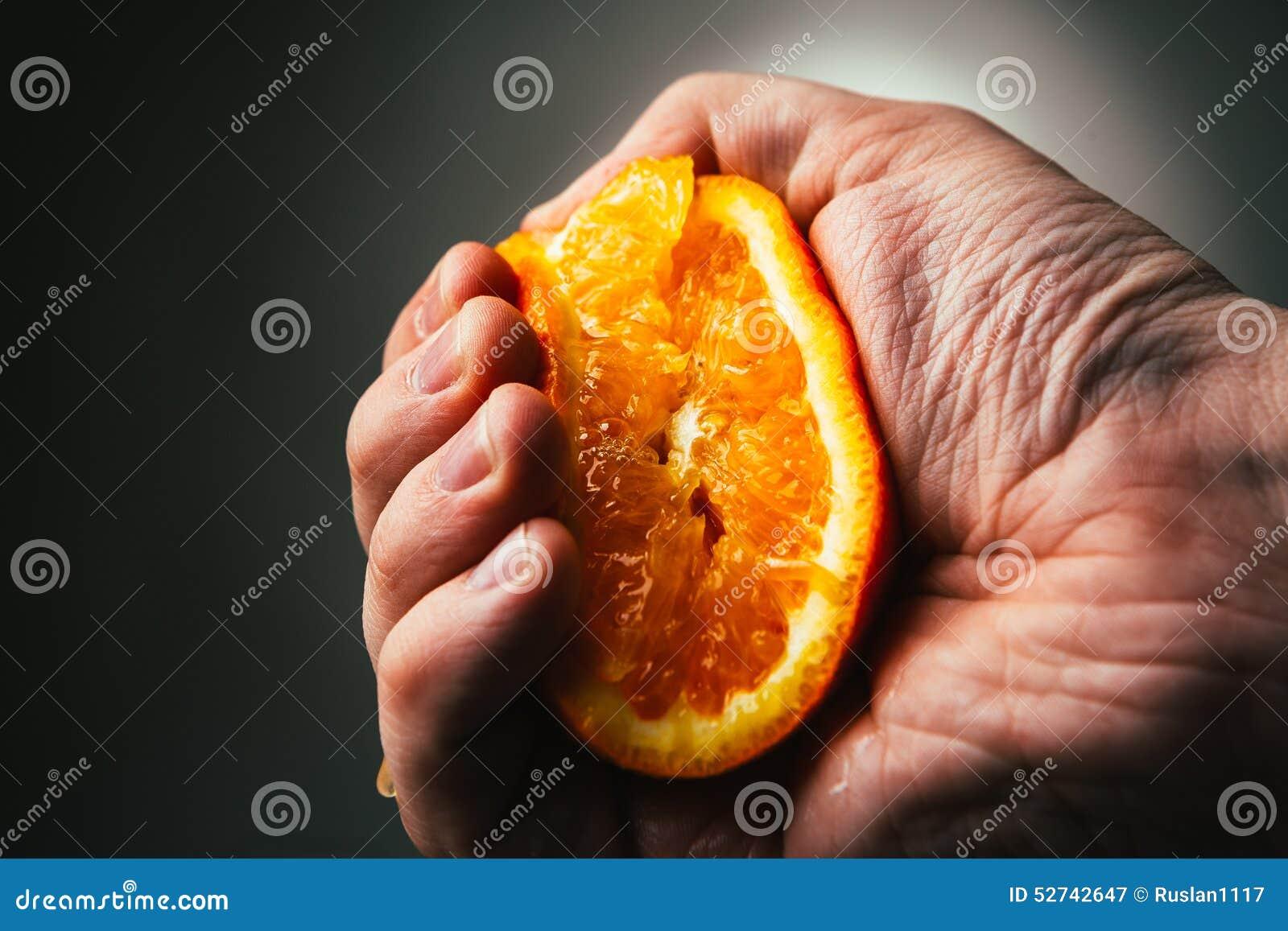 橙色人剧烈的挤压 Conceptis从工作疲倦了