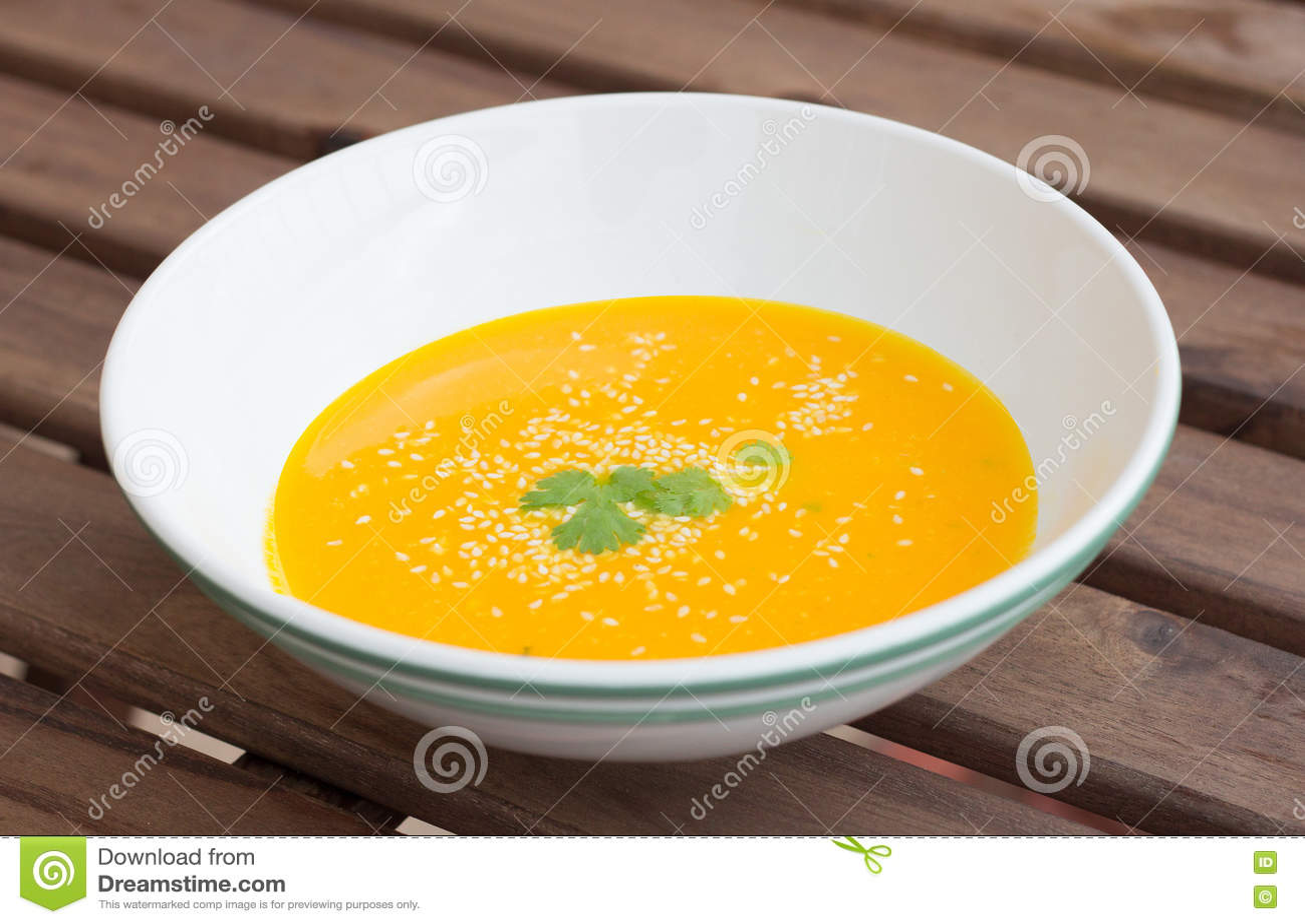 橙色南瓜红萝卜汤