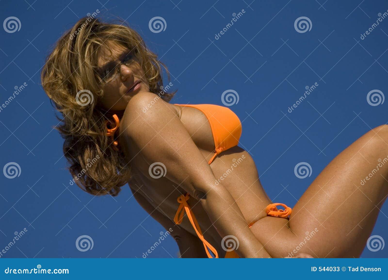 Download 橙色晴朗 库存图片. 图片 包括有 诱惑, 性感, 放血, beautifuler, 女性, 色情, 爱好健美者 - 544033