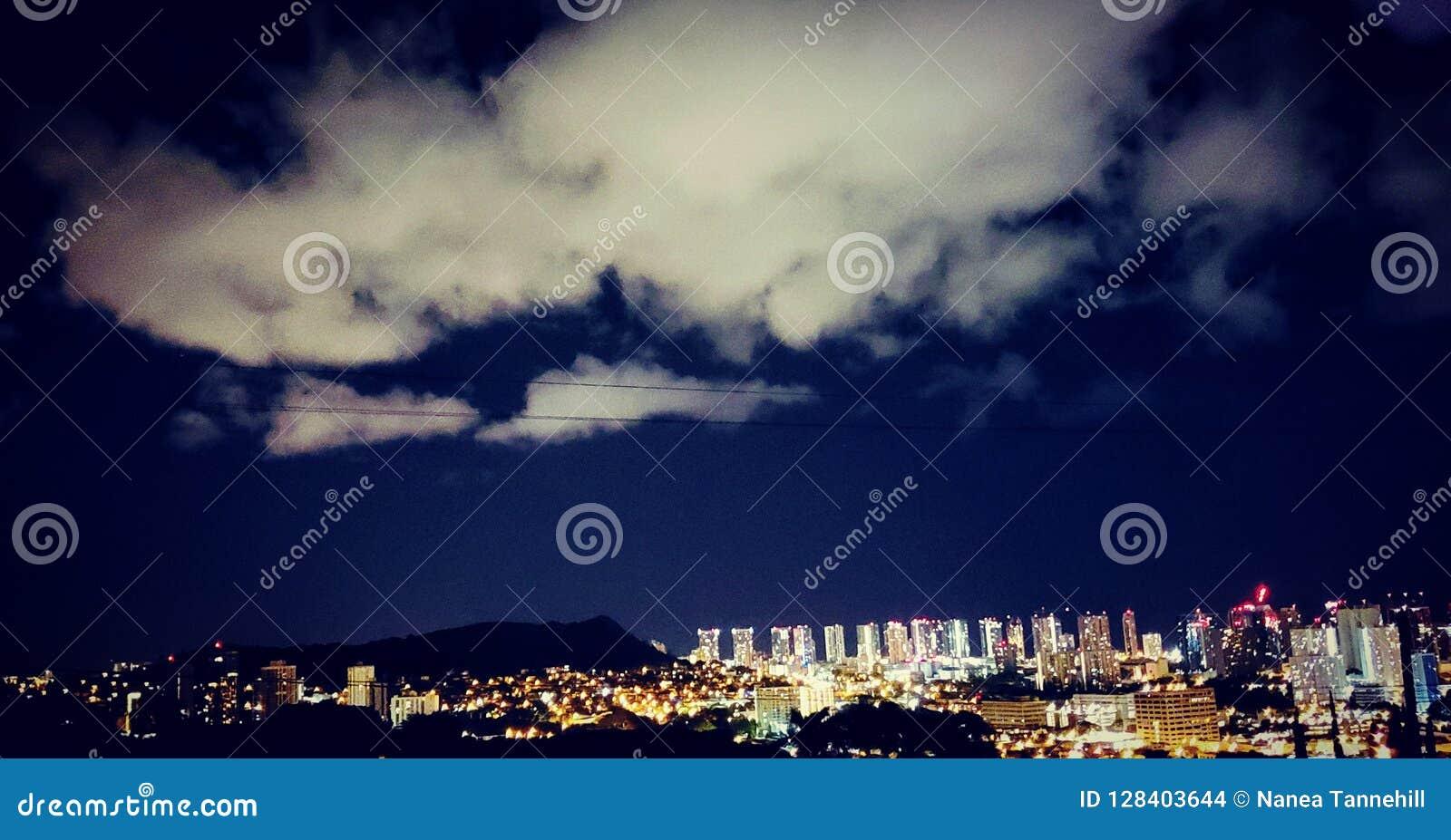 檀香山市夜光