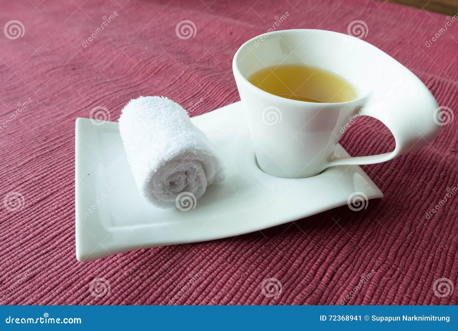 欢迎滚动的湿毛巾热的泰国药草浸剂温泉