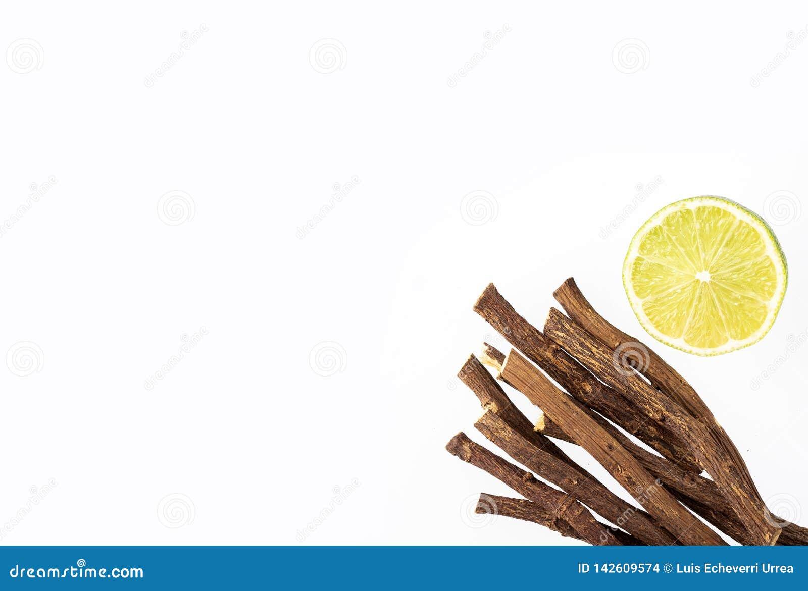 欧亚甘草根和柠檬-甘草glabra 文本空间