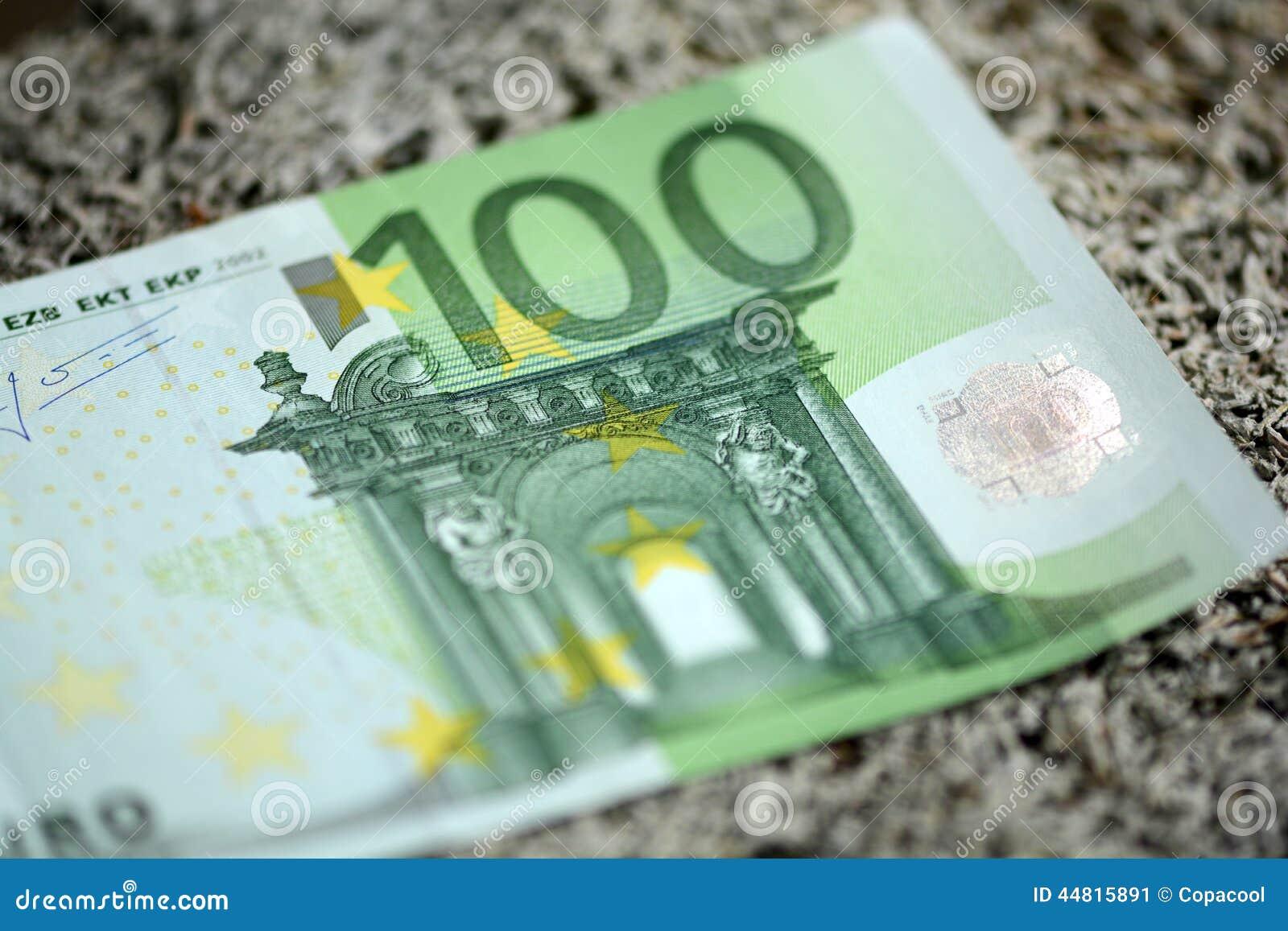结算欧洲人一百欧元- 100.图片