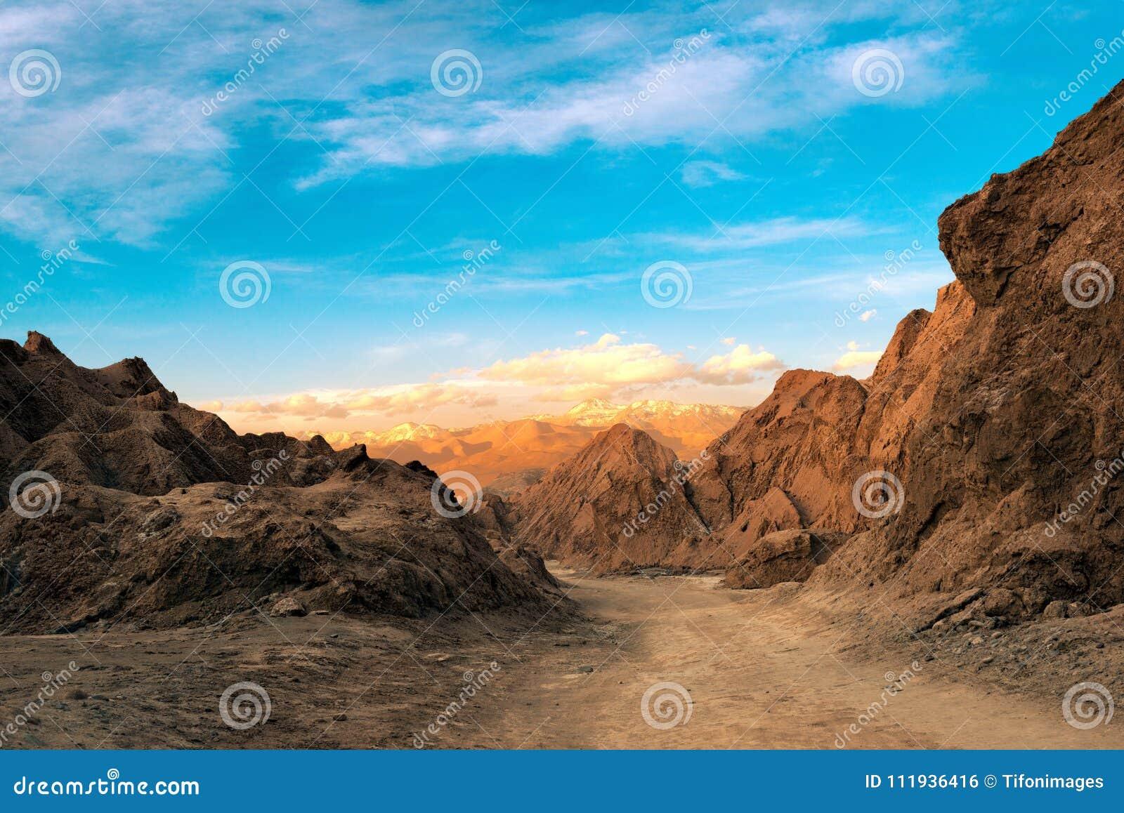 死亡谷的看法盐山脉的在阿塔卡马沙漠