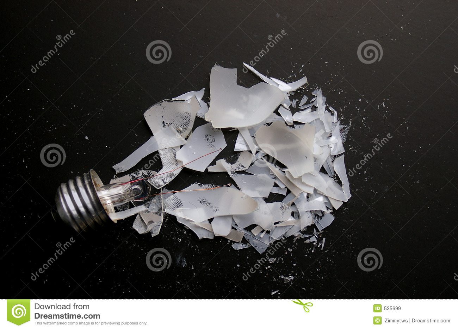 Download 残破的电灯泡 库存图片. 图片 包括有 能源, 烧伤, 部分, 想法, 智能, 玻璃, 聪明, 次幂, 经纪 - 535699