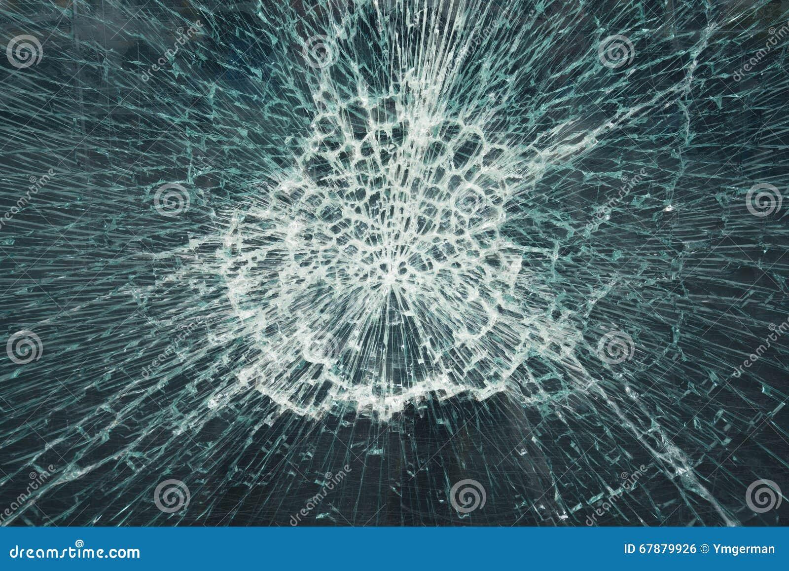 残破的玻璃窗