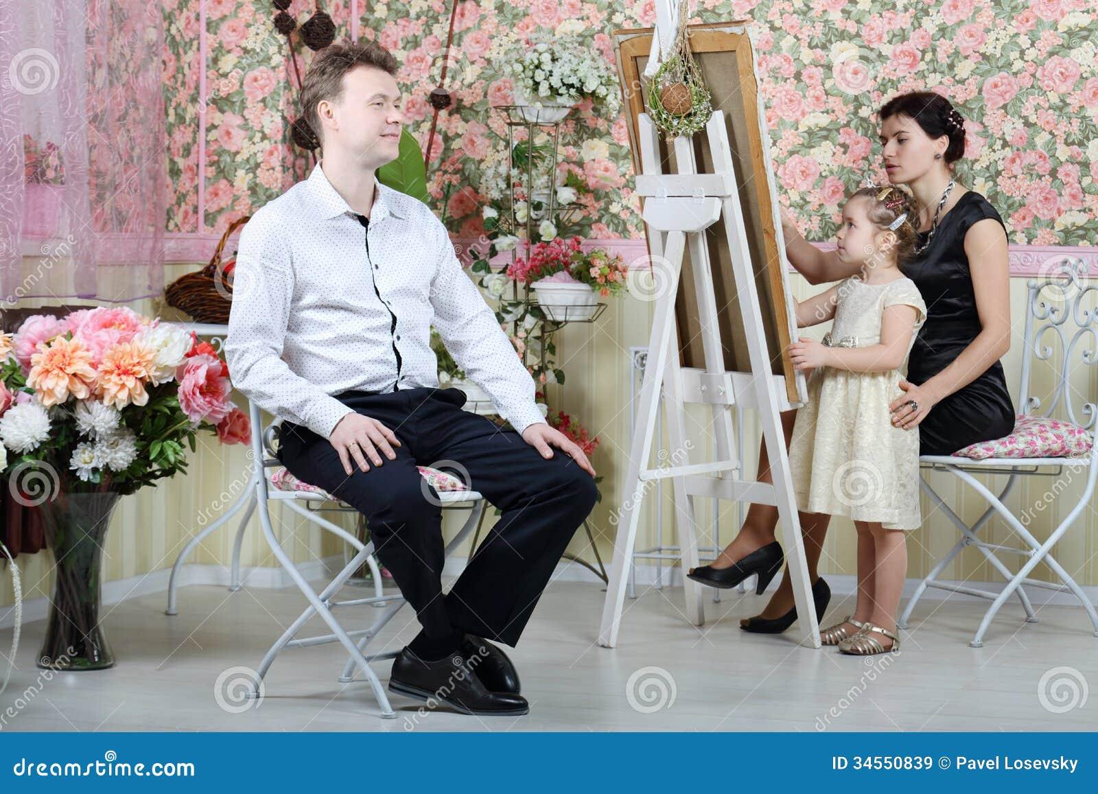 母亲和女儿人油漆画象