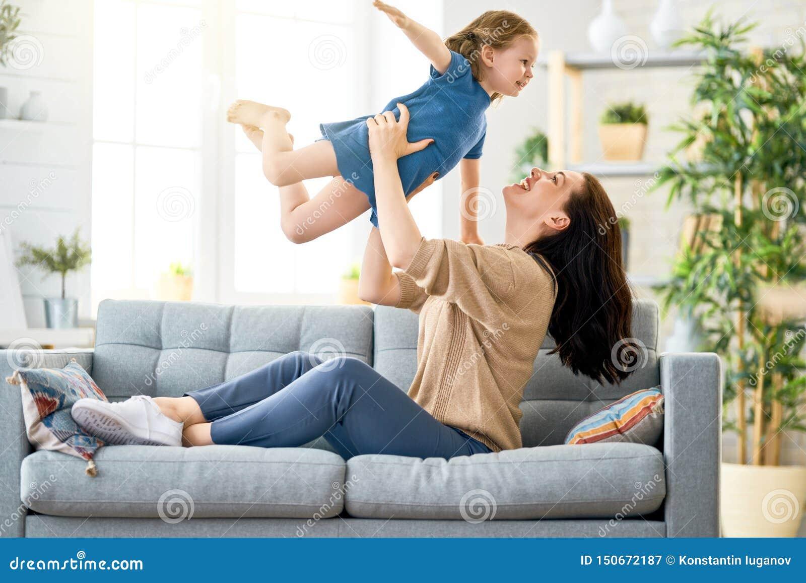 母亲和女儿使用