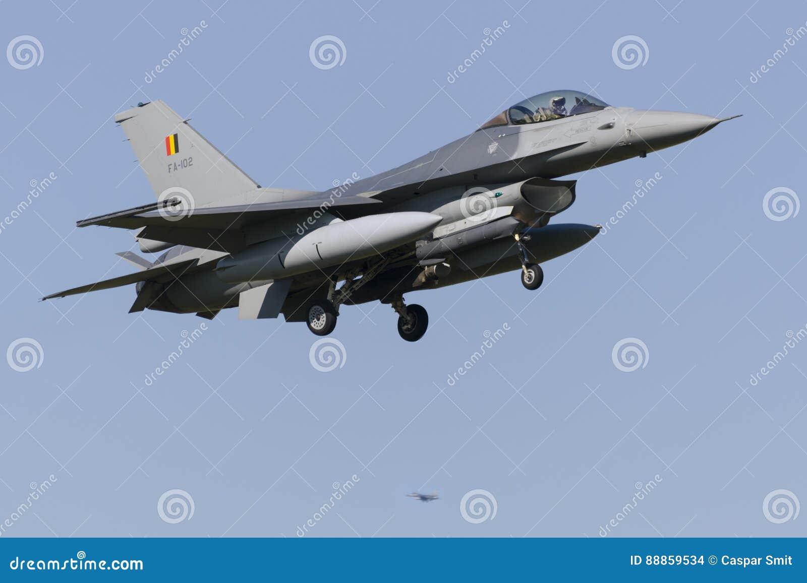 比利时人F-16在吕伐登