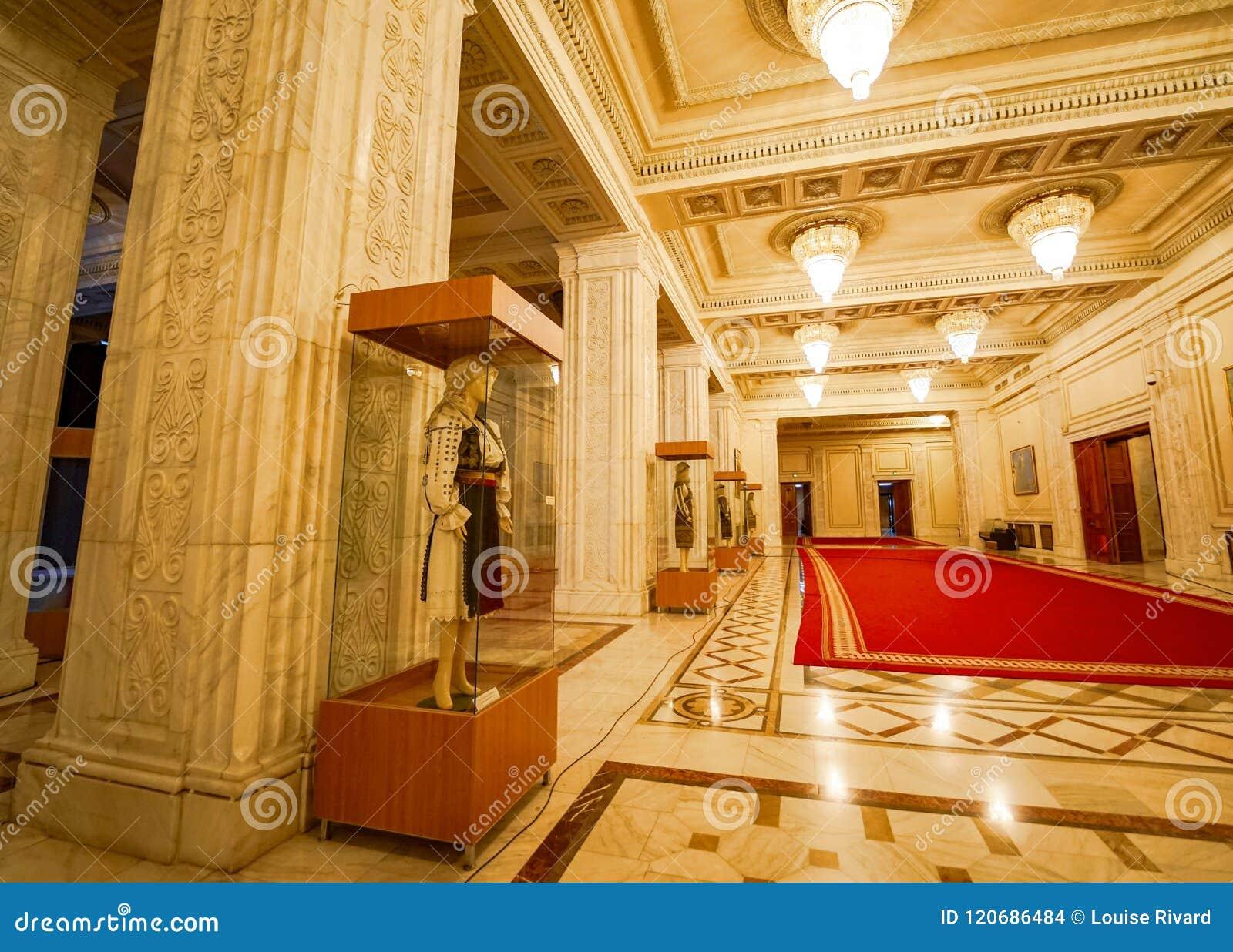 民间传说打扮齐奥塞斯库宫殿的汇集