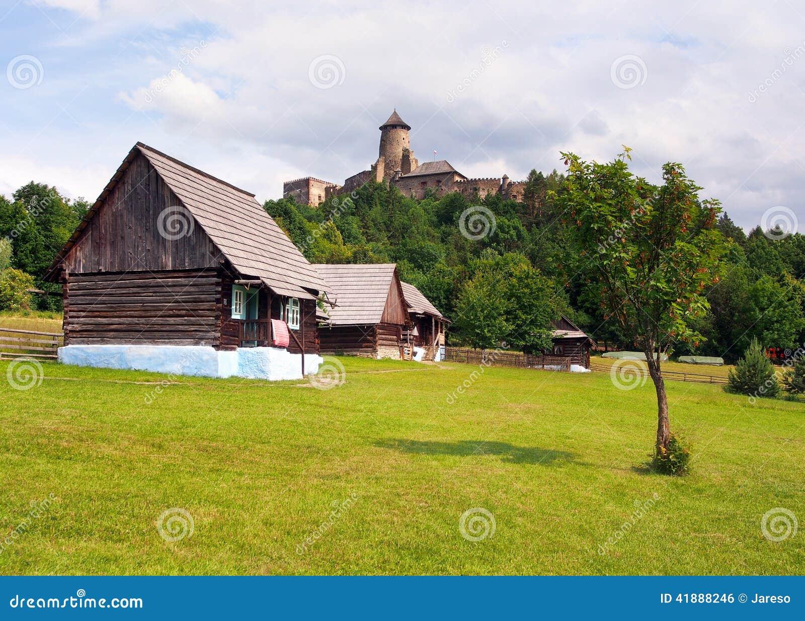 民间房子和城堡在Stara Lubovna