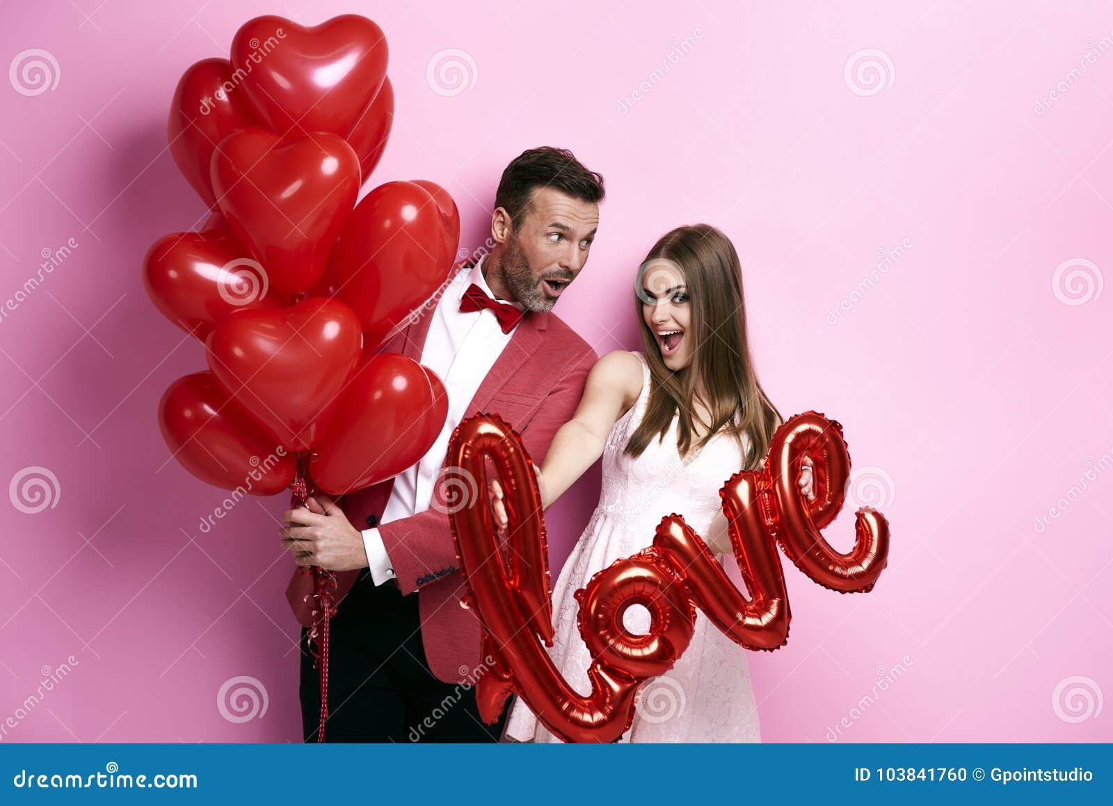 气球耦合爱的红色