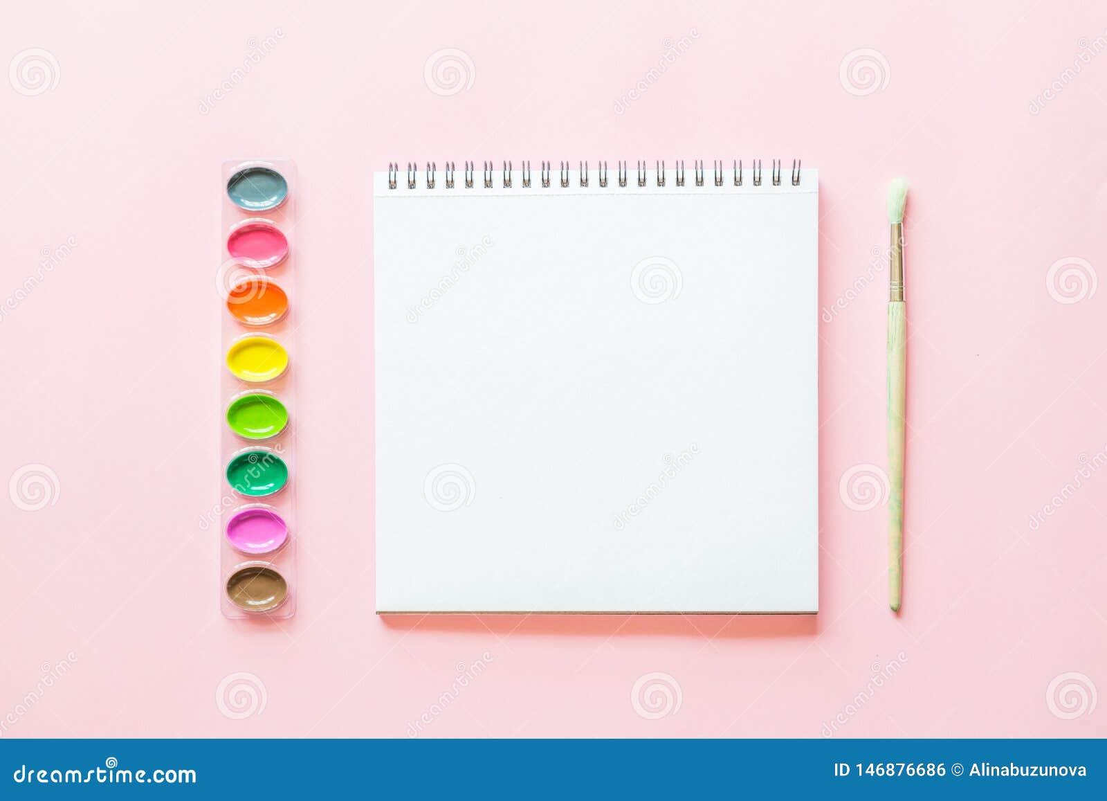 水彩调色板创造性的平的位置,油漆brushe,白皮书 r