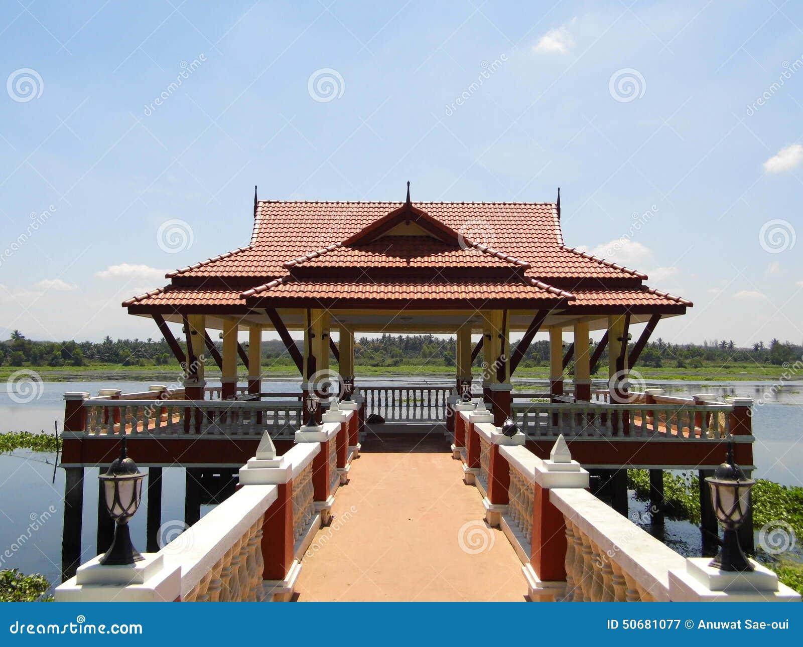 Download 水池的亭子 库存图片. 图片 包括有 公园, 房子, 亭子, 大厅, 沼泽, 盐水湖, 方式 - 50681077