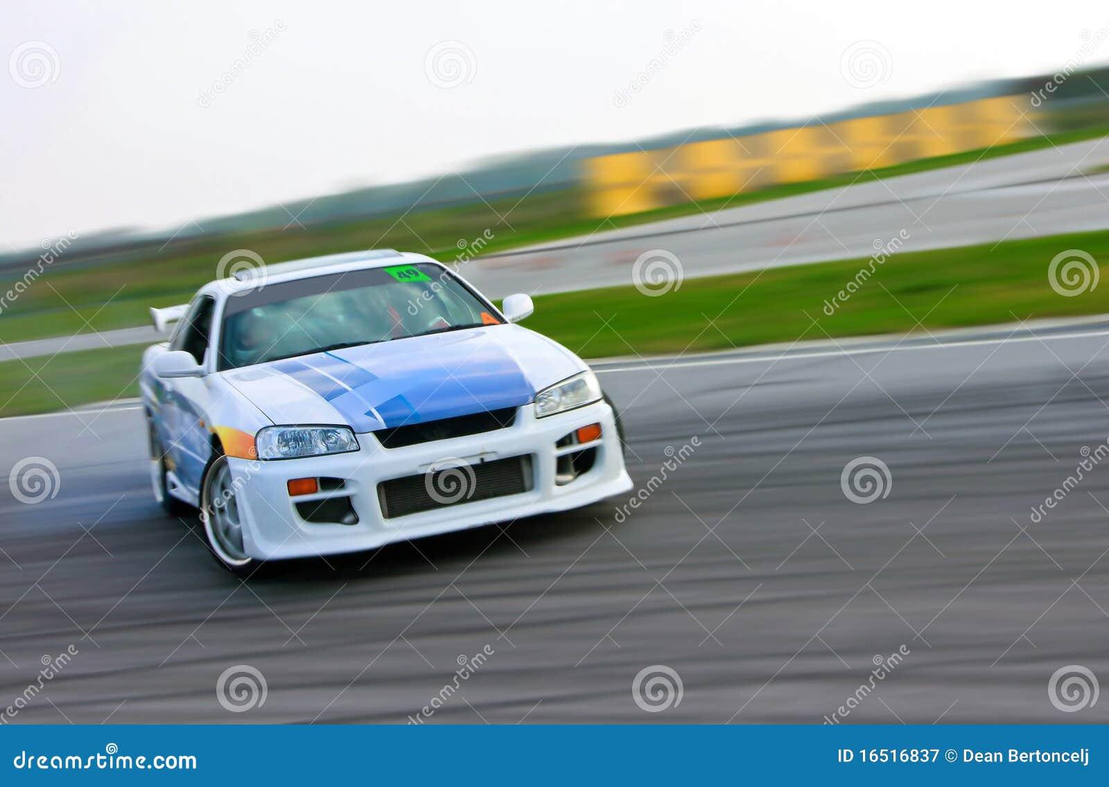 汽车偏差赛跑