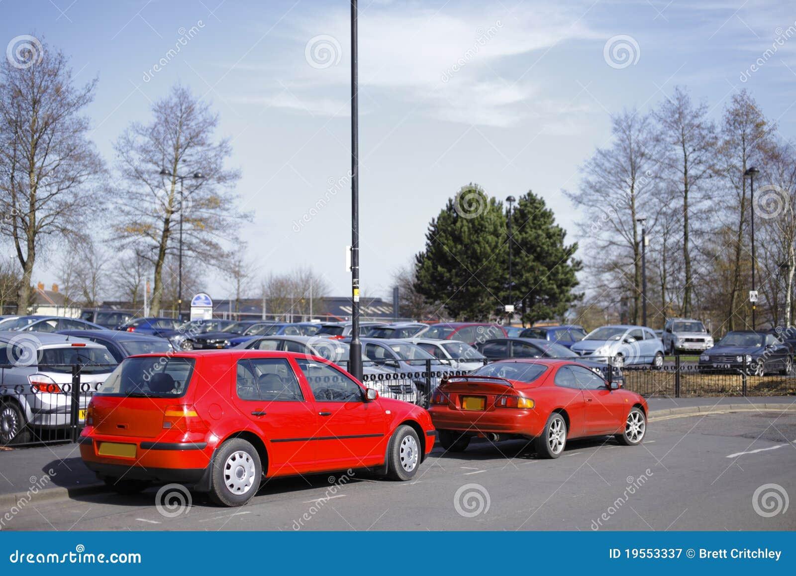 汽车停放了红色