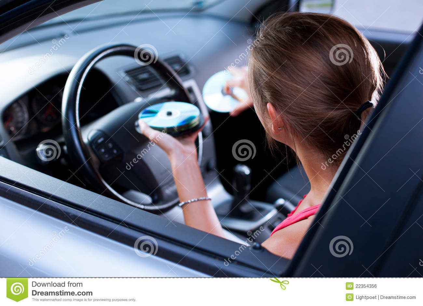 汽车司机女性音乐使用