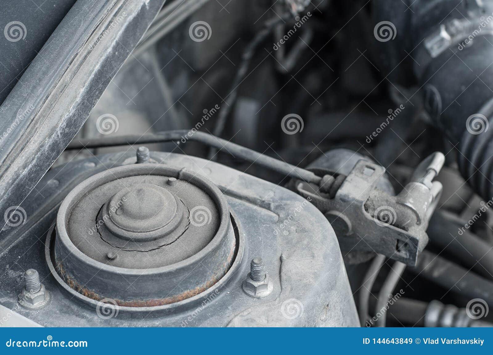 汽车在机舱的缓冲器架置