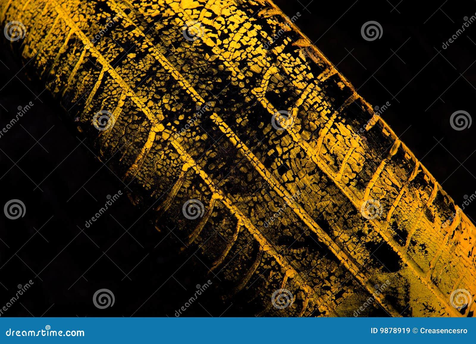 汽车打印轮胎黄色