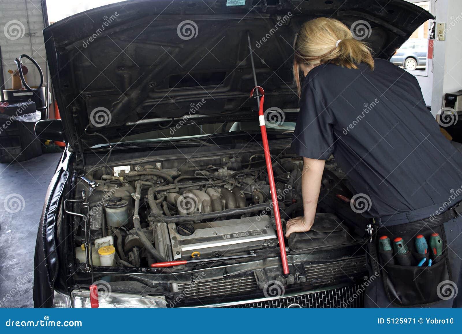 汽车机械师维修服务