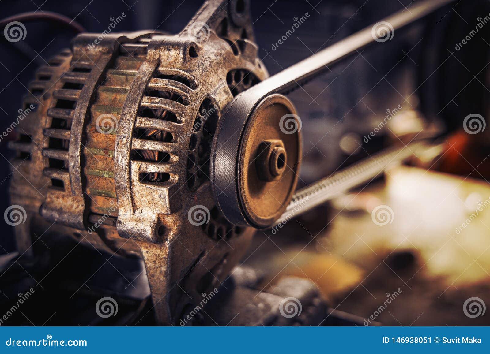 汽车的老滑轮和传送带