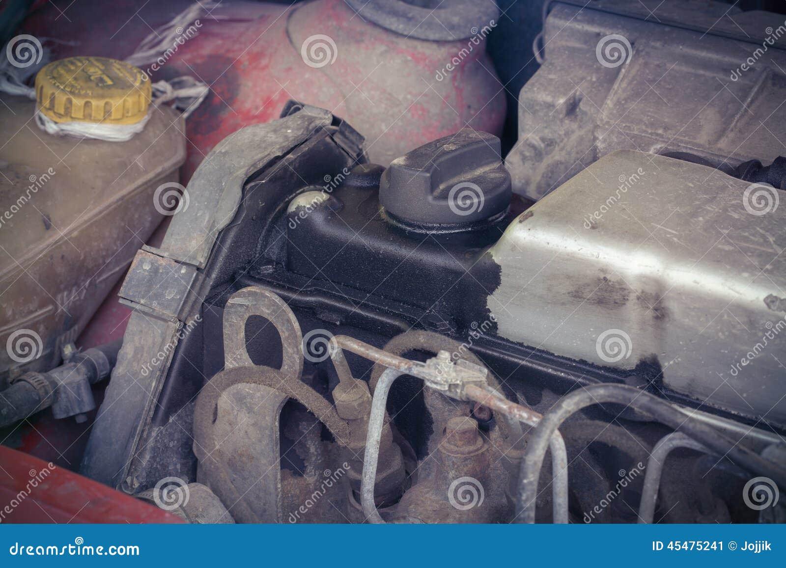 汽车的老柴油引擎