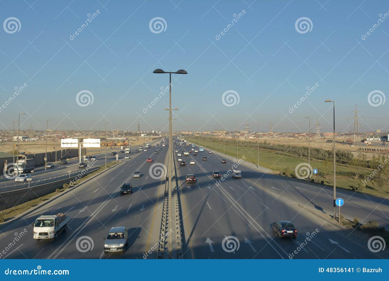 汽车通行,从桥梁的看法