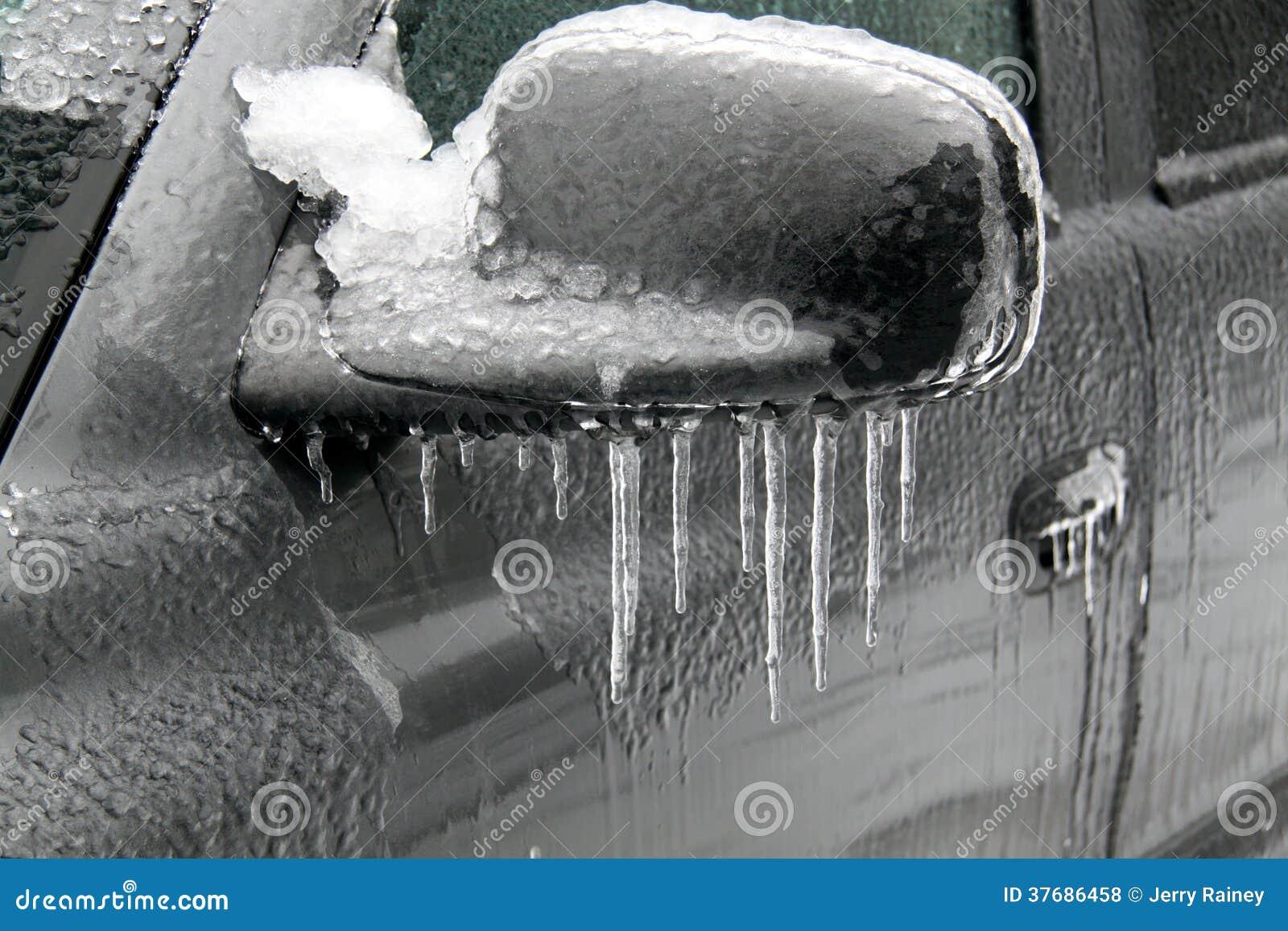 冻汽车镜子