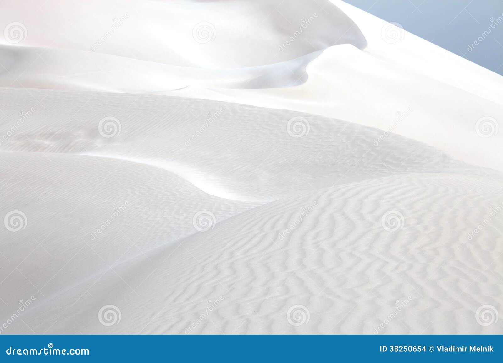 沙丘铺沙白色