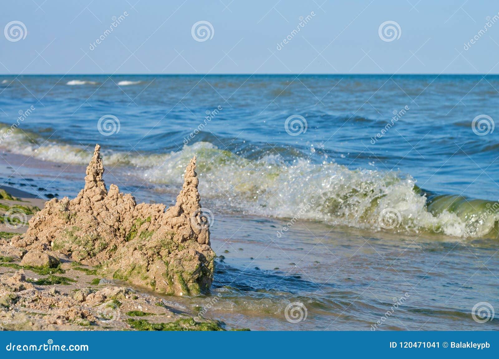 沙子,天际城堡在海海滩的