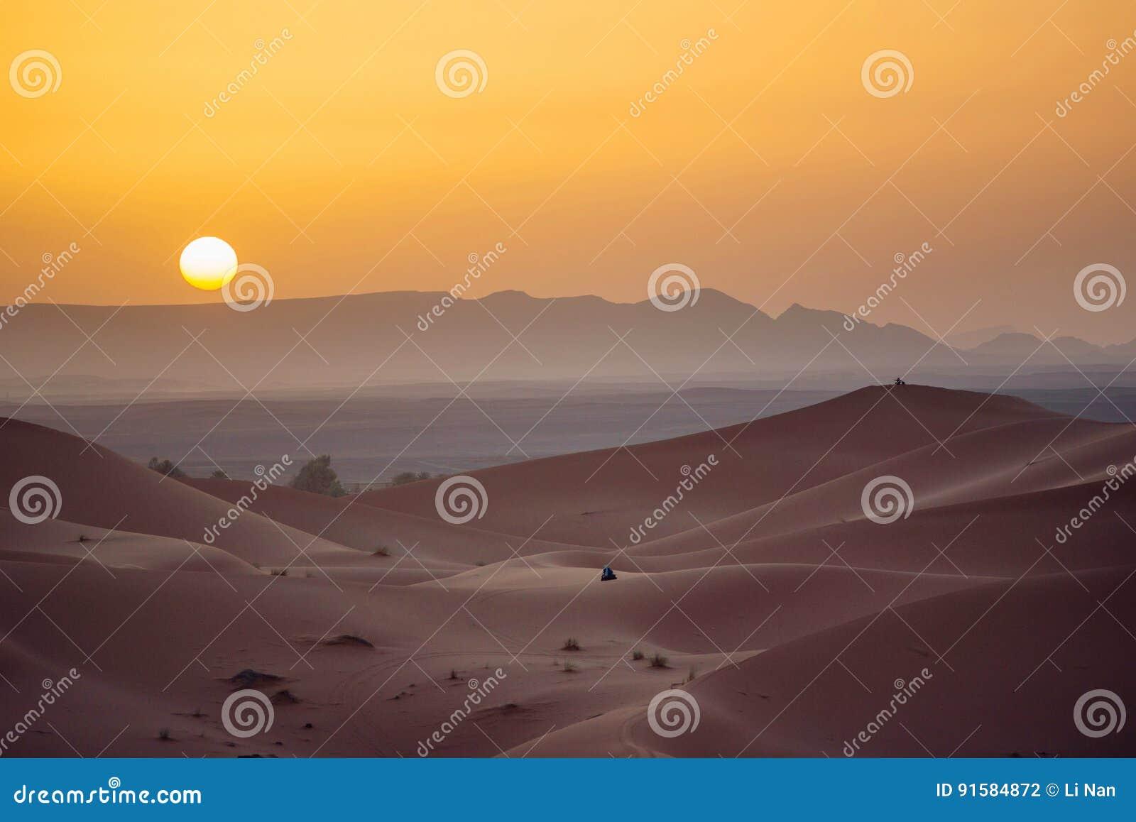 沙漠撒哈拉大沙漠日落
