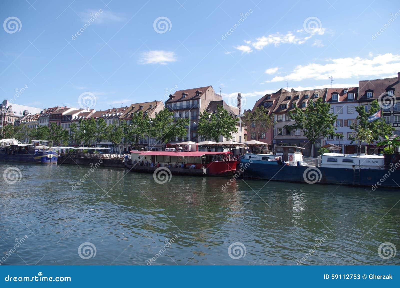 河恶意的史特拉斯堡,法国的河岸