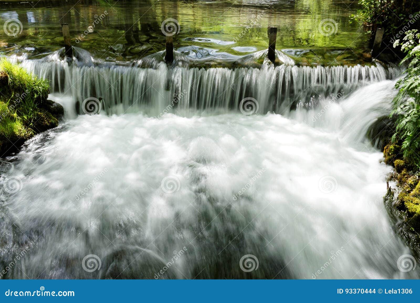 河Vrelo,河德里纳河的正确的附庸国