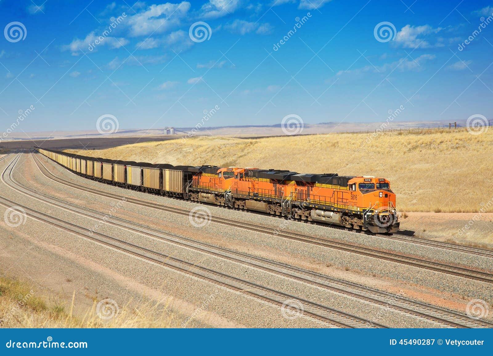 柴油火车运输煤炭