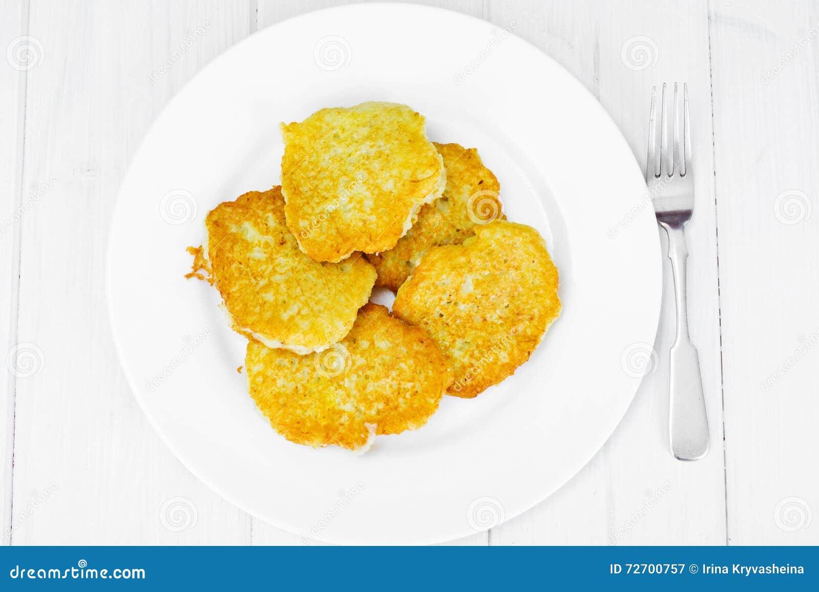 油煎的薄煎饼土豆 白俄罗斯语和德国烹调