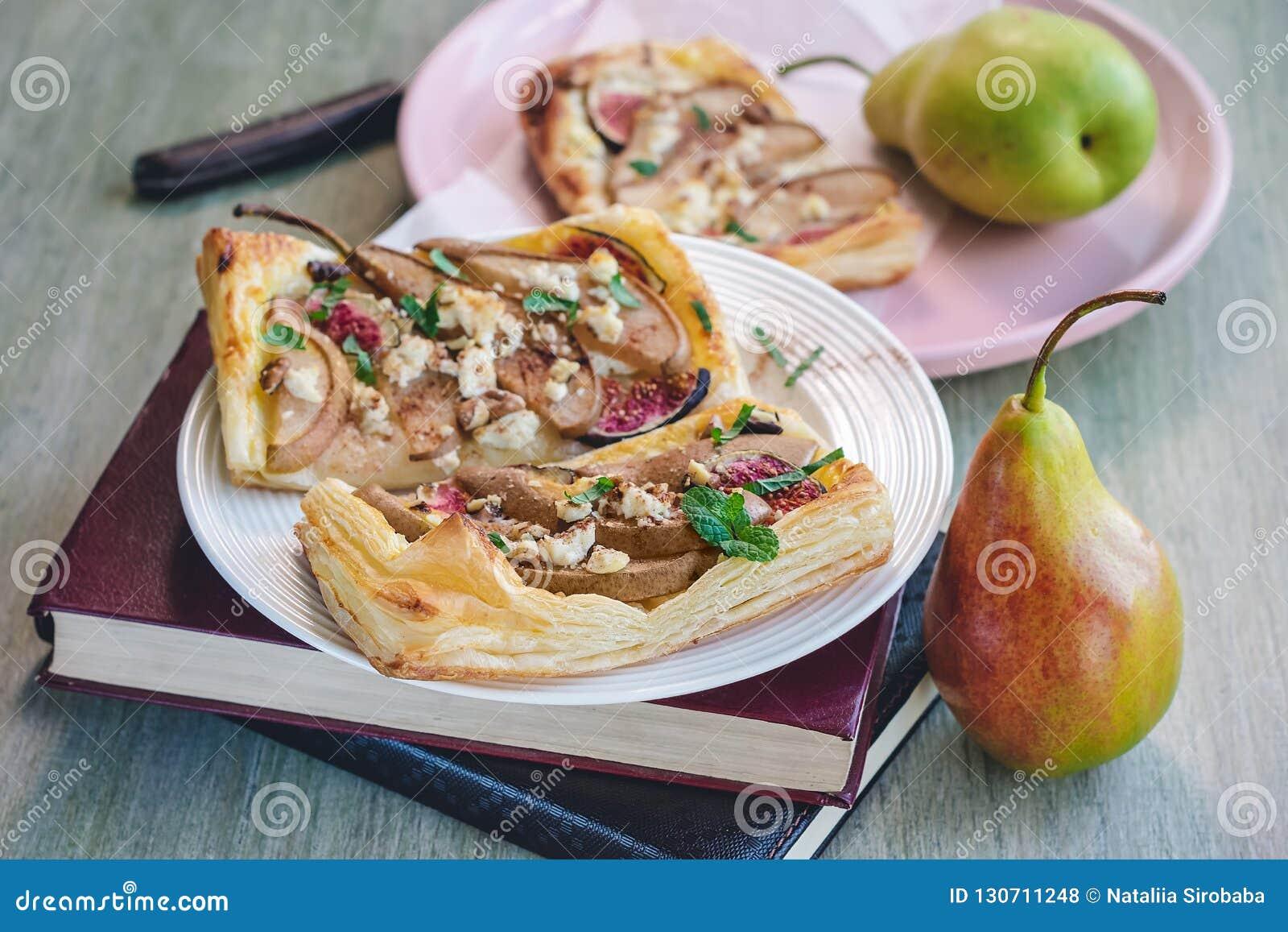 油酥点心饼用乳酪和梨