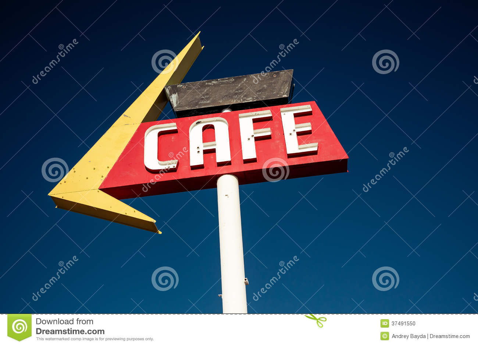 沿历史的路线66的咖啡馆标志