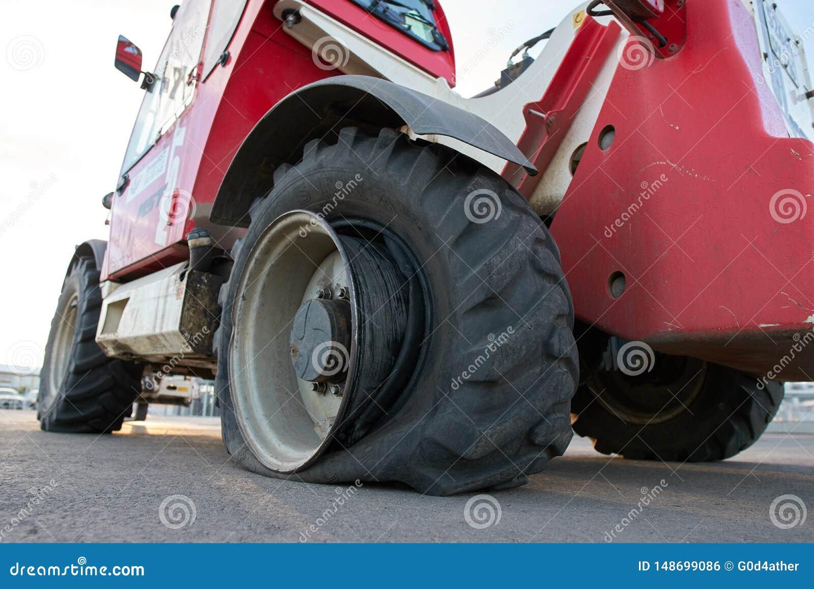 泄了气的轮胎