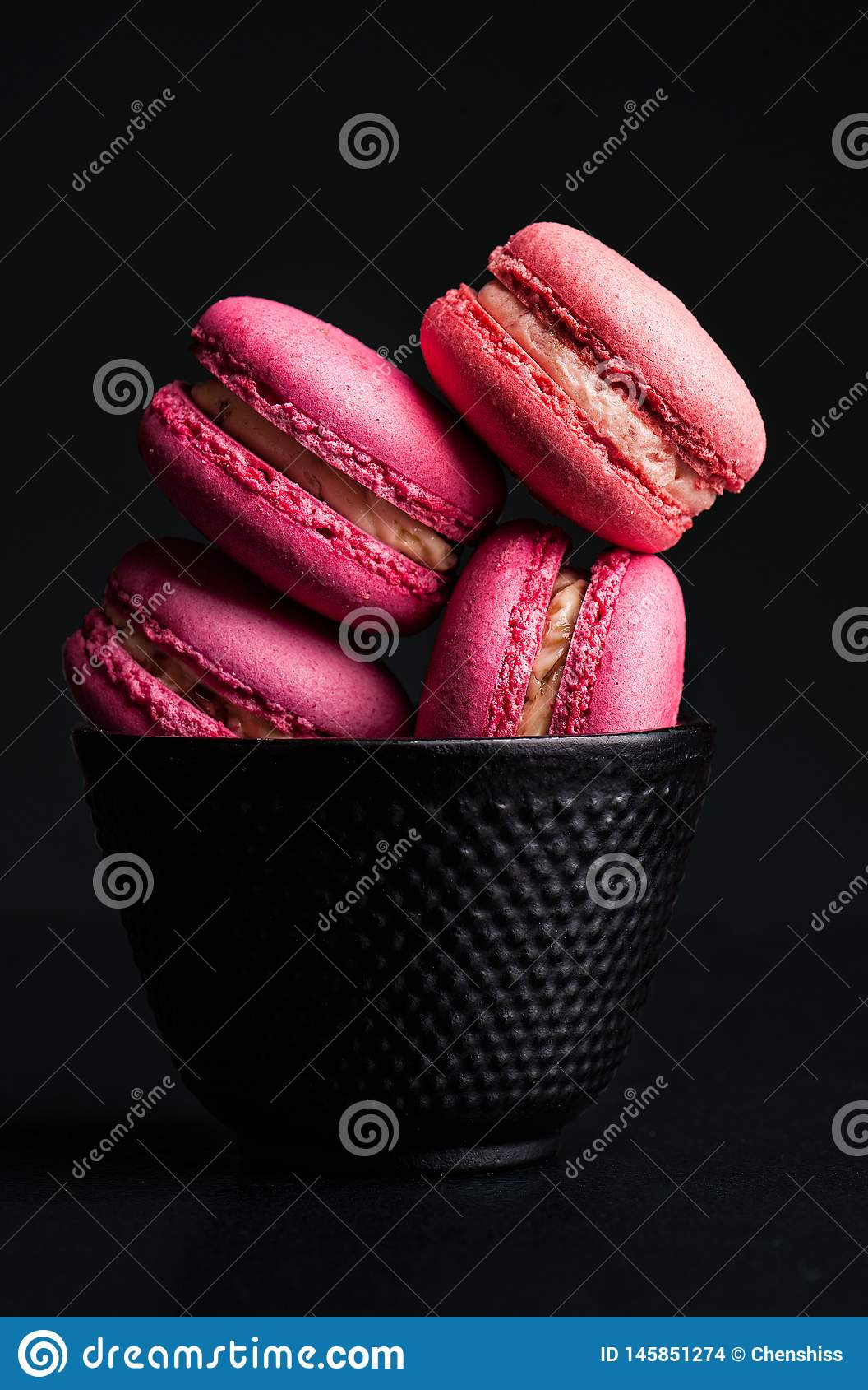 法国macarons结块五颜六色的出现