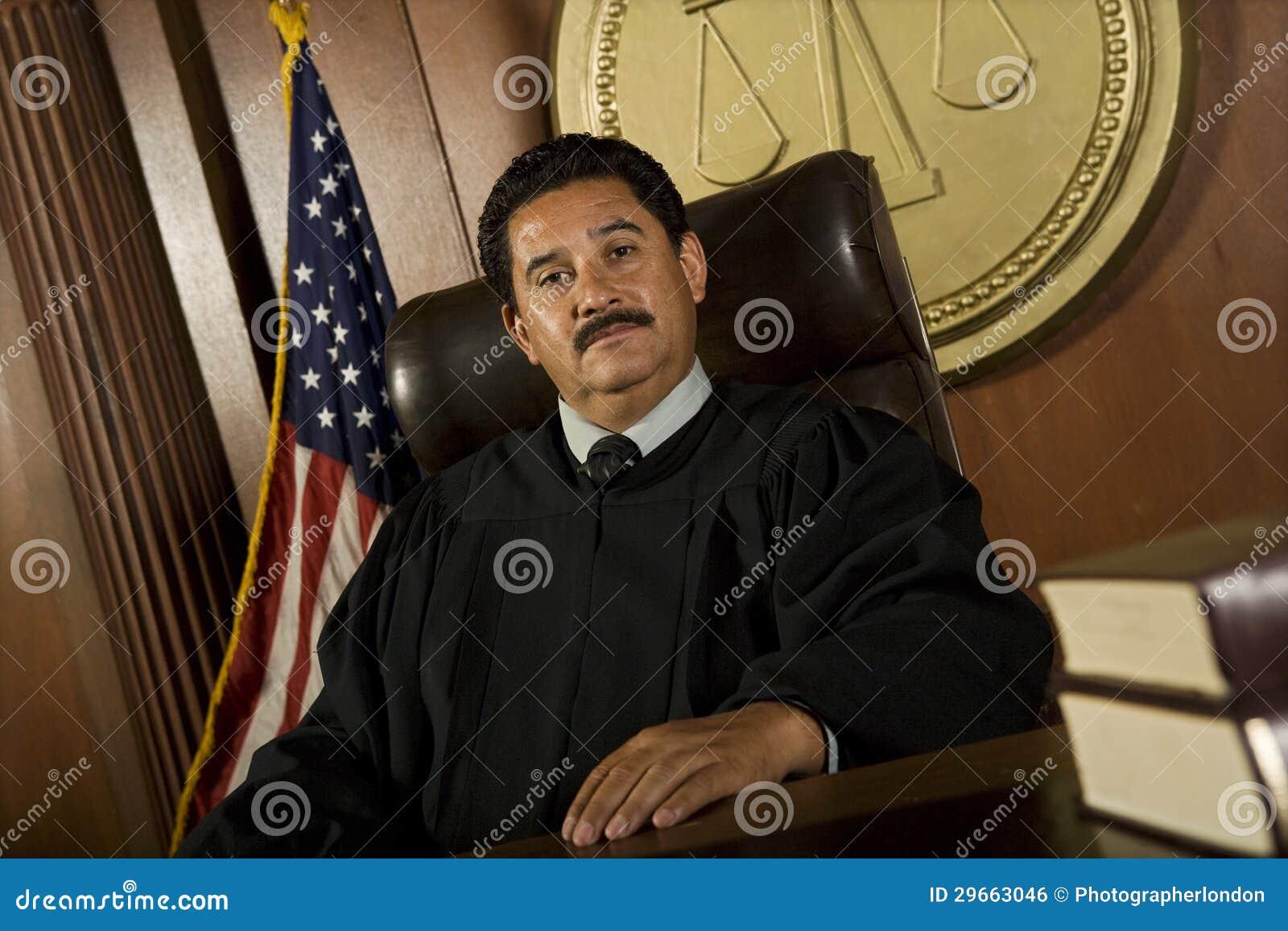 法庭的法官