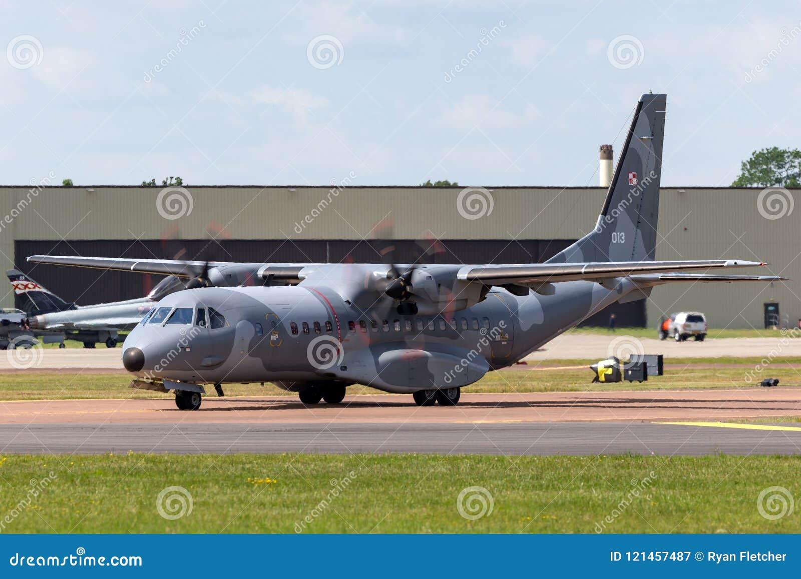 波兰空军队sily powietrzne住处c-295m孪生引擎军用货物航空器