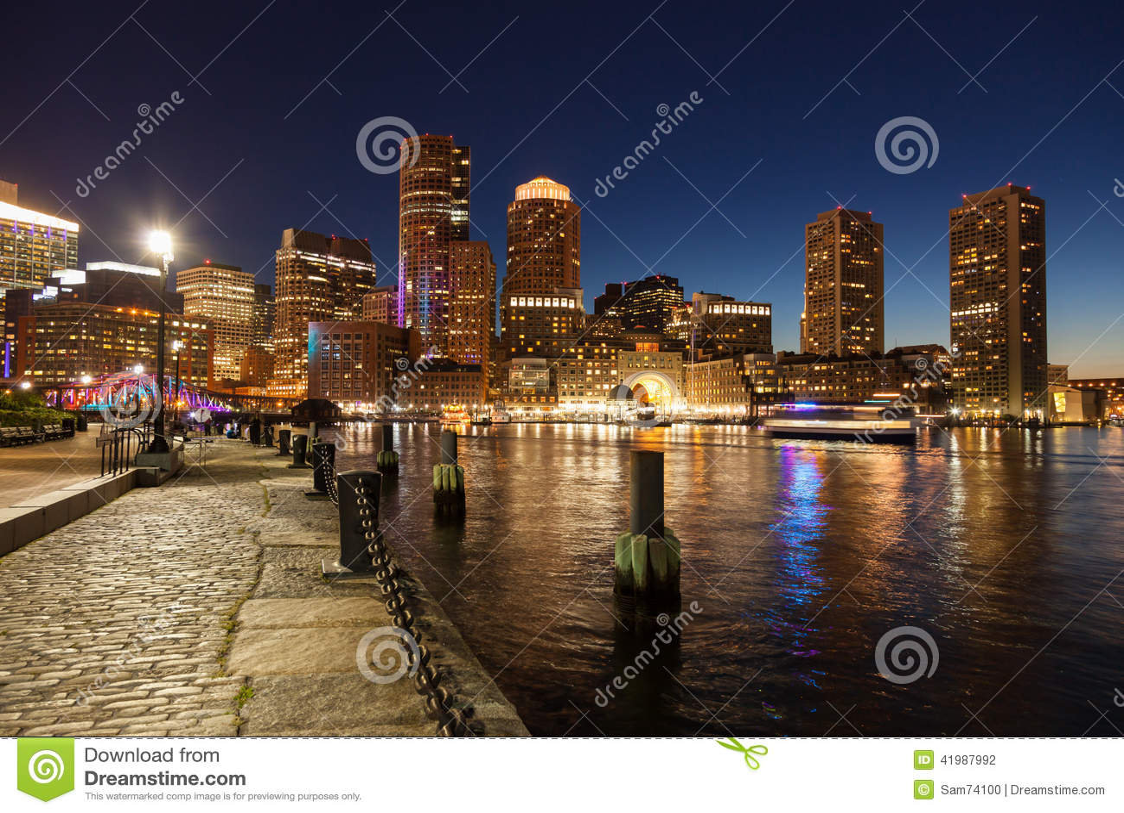 波士顿地平线在夜-马萨诸塞之前-美国