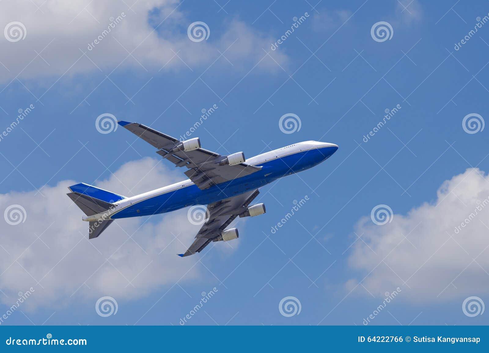 波音747-400飞机againt蓝天