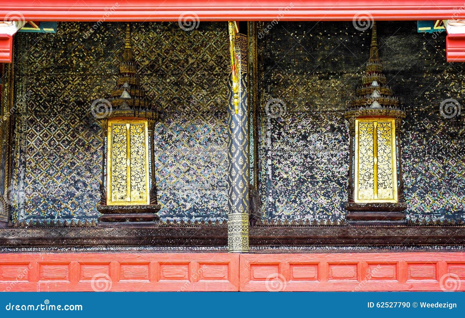 泰国寺庙墙壁有泰国样式油漆的