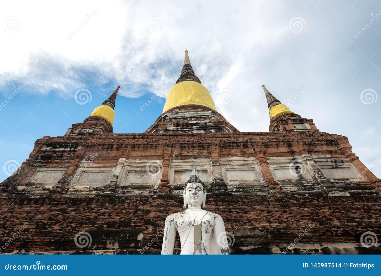 泰国的寺庙- Wat的亚伊柴Mongkhon,阿尤特拉利夫雷斯历史公园,泰国老塔