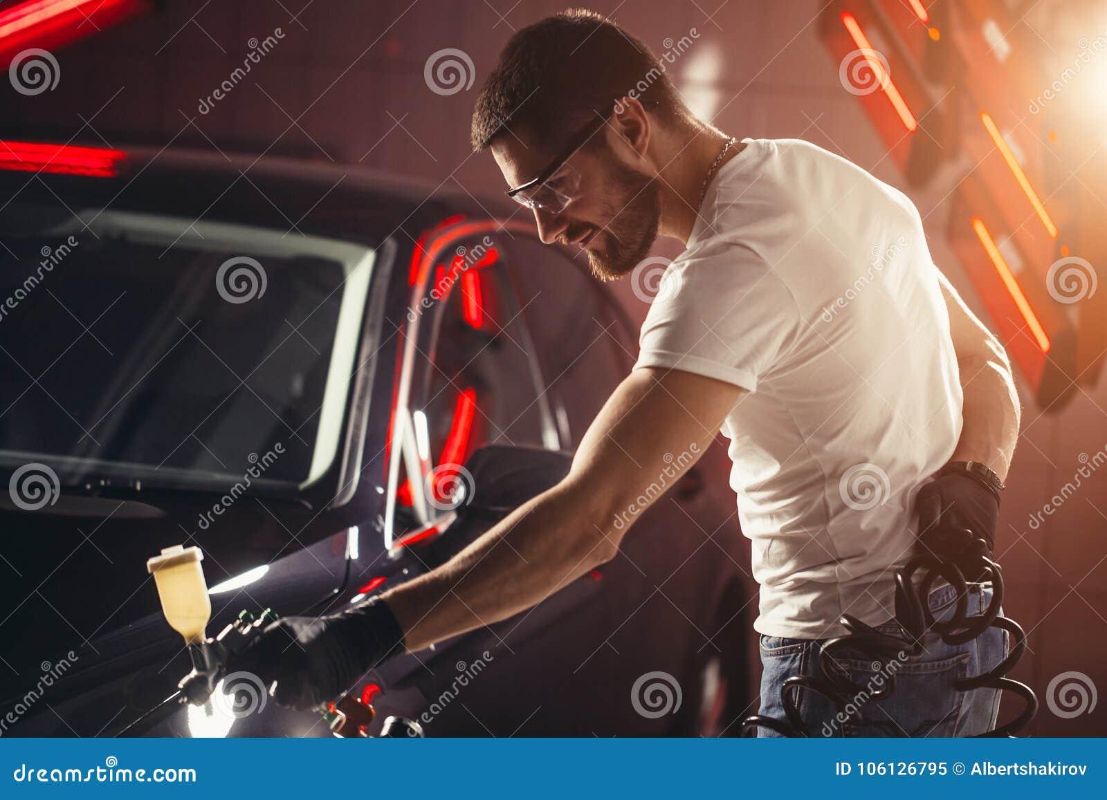 洗车和涂层事务与陶瓷涂层 对汽车的喷洒的油漆